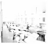 4614 Interieur wachtruimte en horeca-gedeelte van busstation CS.