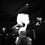 4653-2 Optreden Franse zangeres Josephine Baker op galafeest in Bristol.