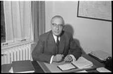 4693 Portret van mr. P. Sanders, hoogleraar civiel recht.