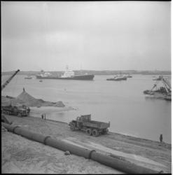 4736-2 Olietanker A.K.Fernstrom arriveert in de monding van het Europoortgebied.