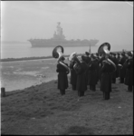 4788 De Marinierskapel zorgde voor muzikaal welkom bij de aankomst van de Karel Doorman in Hoek van Holland.