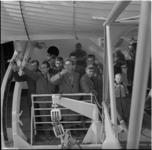 493 Waterman vertrekt met wuivende Hongaarse vluchtelingen naar Nieuw-Zeeland en Australië.