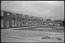 4962-2 Nieuwe woningen aan het Leendert Braatpad in Pernis.