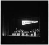 5134 Optreden van de 'The Dutch String Band' op bijeenkomst Tamboer en Pijperkorps Excelsior in de Groote Schouwburg Zuid.