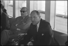 5186 Minister Jozef Luns tijdens persconferentie.