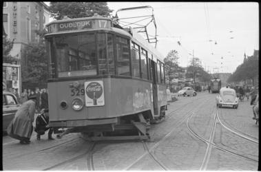 5266-2 Tram lijn 17 richting Oudedijk ontspoord door verkeerde wisselstand ter hoogte van Eendrachtsplein en botste ...