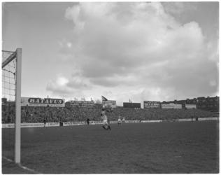 527 Spelmoment uit de voetbalwedstrijd Sparta - Willem II.