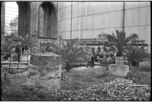 5322-1 Bijeenkomst tussen de overblijfselen van de Sint Laurenskerk in verband met de oplevering van het herplaatste ...