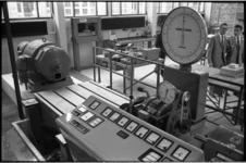 5392 Interieur van een technische afdeling bij NV Electro Technisch Installatiebedrijf & Handelsbureau v/h P.Batenburg ...
