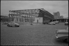 5402 Het oude stationspostkantoor aan de Conradstraat, naast Centraal Station en Groothandelsgebouw, wordt afgebroken.