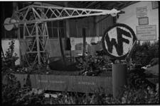 5471-1 Presentatiewagen van scheepswerf Wilton-Fijenoord uit Schiedam voor bloemencorso in Rotterdam.