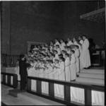 552 Optreden van het jongenskoor Petit Chanteurs à la Croix de Bois in de Bosjeskerk aan de Hofdijk.