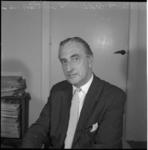 5578 Hein Waalwijk, redacteur bij dagblad 'De Rotterdammer'.