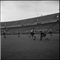 568 Spelmoment uit de voetbalwedstrijd Feyenoord - VVV ( uitslag 6-1).