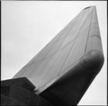 6047-2 Monument 'De Boeg', op de hoek van de Boompjes en de Leuvehaven.