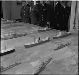 605-1 De tentoonstelling '50 jaren onder zee' in het Flevogebouw ter gelegenheid van het gouden jubileum van de ...