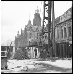 6203 Verwijderen van damwanden metrokanaal op de Coolsingel voor het postkantoor.