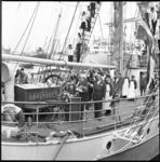 6234-2 Doop tanker Esso Libya bij Verolme Rozenburg vanaf het zeilschip Sorlandet door mevrouw M.J. Rathbone.