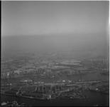 624-1 Luchtfoto havengebied: Tarwewijk, Maashaven, Katendrecht, Rijnhaven