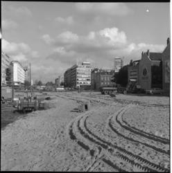 6398 Aanleg van de Westblaak vanaf Eendrachtsplein, rechts de oude straten van de wijk Cool.