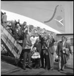 6583 Supporters Feyenoord vertrekken vanaf vliegveld Zestienhoven naar Lissabon voor de Europacupwedstijd Benfica- Feyenoord.