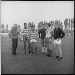 6672-2 Zes nieuwe Xerxes-spelers- v.l.n.r.: Van Woerden, Van der Heide, Smits, Van Dijk, Heijerman, Fafie.