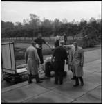 6706-2 Het bronzen beeld 'La grande Musicienne' van Henri Laurens wordt in de buitenruimte van Museum Boijmans van ...