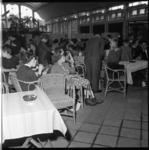 6874-2 Bijeenkomst voor spastische kinderen in de Rivièrahal van Diergaarde Blijdorp.