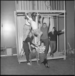 6881-2 Cast van musical Kiss me Kate van het Nieuw Rotterdams Toneel met o.a. Donald Jones, John Lanting, Rob de Vries, ...