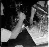698 Vlieg als oorzaak van ruzie op Katendrecht. In een bar op Katendrecht stak een buitenlandse zeeman, per ongeluk, ...