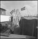 6995 Het Goudse draaiorgel 'de Lekkerkerker' aan boord van een rijnaak in verband met vervoer naar Ingelheim am Rhein ...