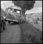 7032 Bus van de Twee Provinciën was op de Oostdijk in IJsselmonde tussen Ridderkerk en Rotterdam van de weg geraakt.