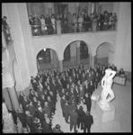 7083 Weens mannenkoor in hal van het stadhuis in het kader ven de Oostenrijkse Week in Nederland.