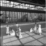 716 Leerlingen nemen afscheid van de lagere school in de Energiehal.