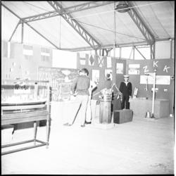 7454 Tent voor exposities tijdens het evenement AY-AY in Hoek van Holland, het evenement werd georganiseerd ter ...
