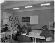 7551 Les met filmprojectie aan de leerlingen van de Havenvakschool.