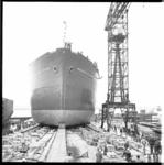 7582-2 Tewaterlating na doop van het Liberiaanse schip de President William V.S.Tubman op de scheepswerf Verolme te ...