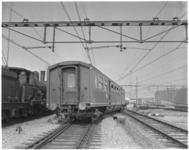 760 Tijdens rangeren op het emplacement van Centraal Station reed de trein, door een verkeerde wisselstand, uit de rails.
