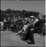 766-1 Opening van het kampeercentrum van het Katendrechtse Volkshuis Eikendal in Haamstede in aanwezigheid van K.P. van ...