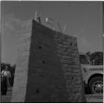 766-2 Het muurtje voor het kampeercentrum in Haamstede van de Katendrechtse Vereniging voor Sociaal-Cultureel ...