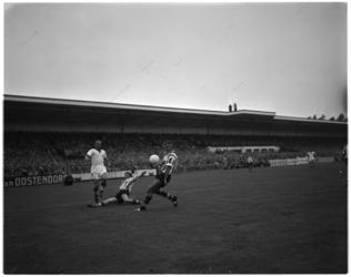 792 Spelmoment uit de voetbalwedstrijd Sparta - Blackpool.