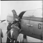 7954 Invalide kinderen kwamen met het vliegtuig vanuit Southend in Engeland aan op vliegveld Zestienhoven voor een ...