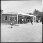 7991-1 Opening clubhuis van Speeltuin Vreewijk op de Pinksterweide in Tuindorp de Vaan.