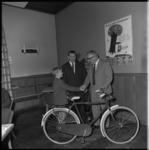 8015 Frank van Herk schreef voor een wedstrijd een opstel voor de Driepinter campagne van de NZB en won een fiets.
