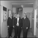 8026-1 Afscheid dirigent Eduard Flipse van het Rotterdams Philharmonisch Orkest in de Schouwburg, op de achtergrond ...
