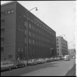 8056 Bank en kantoorgebouwen Algemene Bank Nederland, Gulf en Nederlandsche Middenstandsbank aan de Blaak.