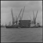 8147 Het Russische schip Saatly voor Veem Pakhuismeesteren (waarschijnlijk Waalhaven).