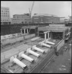 8176-3 Werkzaamheden aan de nieuwe metrolijn Coolsingel/Churchillplein met de bouw van metrostation Churchillplein. ...