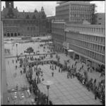 8184-1 Lunchconcert van Tamboer- en trompetterkorps Ahoy op het Stadhuisplein.