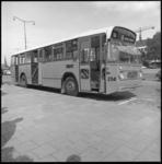 8231 Nieuwe bus (type Leyland Panther) 52 van de RET op het Kruisplein.